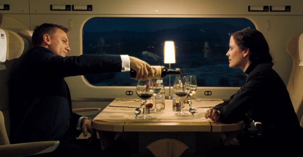 Classy colibri on Casino Royale, James Bond and Vesper Lynd, savoir vivre et savoir plaire