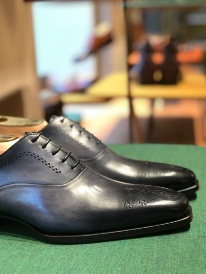 Classy colibri on Santoni shoes oxford dress shoe soulier richelieu bout fleuri