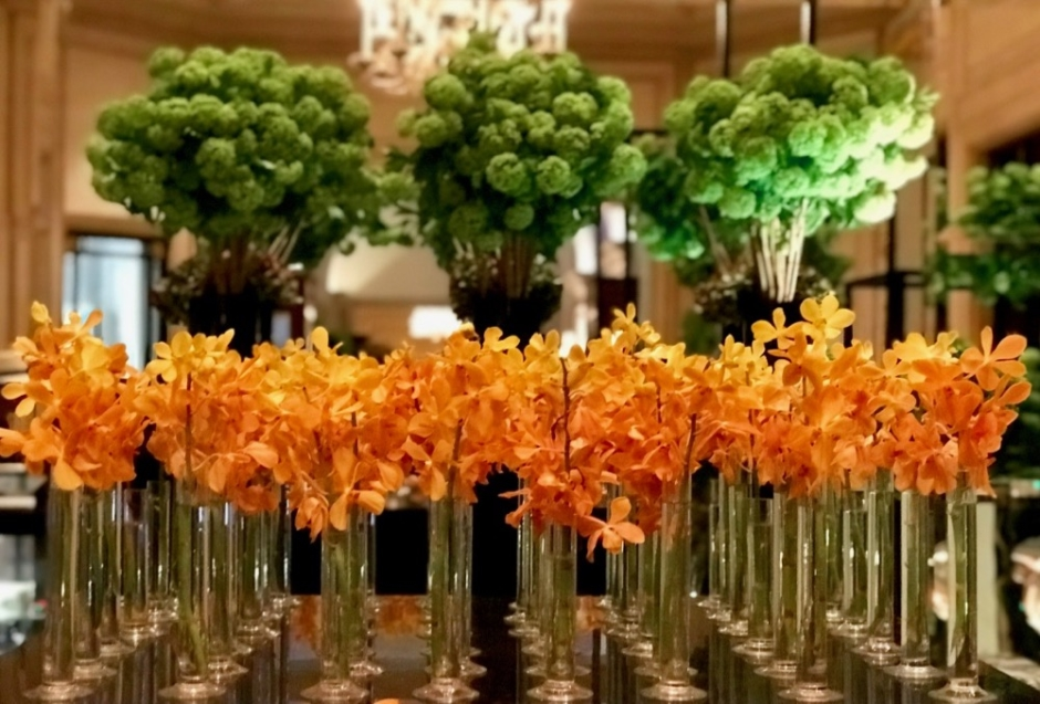 Classy colibri at the Four Seasons Hotel George V Paris, flower creations by Jeff Leatham