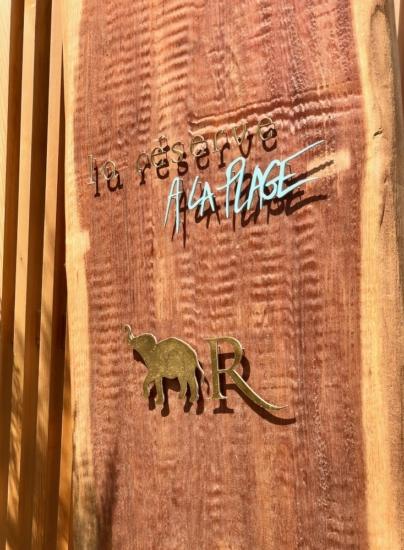 Classy colibri at La Réserve à la Plage Pampelonne